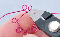 Cutting Design with Wire-Cutters