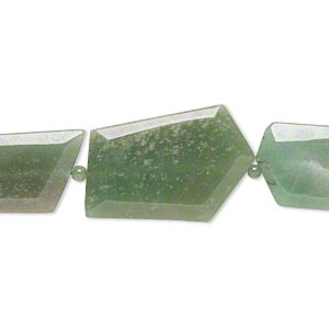 bead, green aventurine (natural), 5mm round and 23x20mm-49x36mm tumbled faceted flat freeform, b- grade, mohs hardness 7. sold per 16-inch strand.