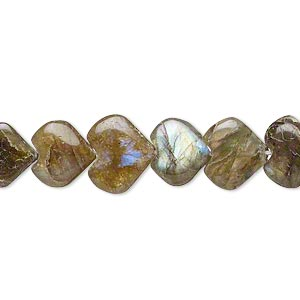 bead, labradorite (natural), 9x9mm-11x11mm hand-cut puffed heart, d grade, mohs hardness 6 to 6-1/2. sold per 14-inch strand.