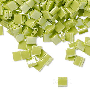 bead, tila, glass, opaque luster apple green, (tl439), 5mm square with (2) 0.8mm holes. sold per 40-gram pkg.