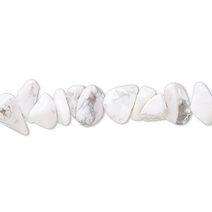 bead, white howlite (natural), medium chip, mohs hardness 3 to 3-1/2. sold per 15-inch strand.