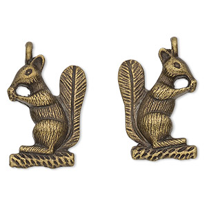 charm, antique brass-finished pewter (zinc-based alloy), 25x18mm 3d squirrel. sold per pkg of 2.