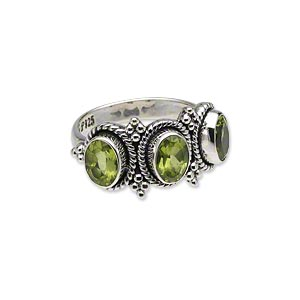 Finger Rings Peridot Silver Colored