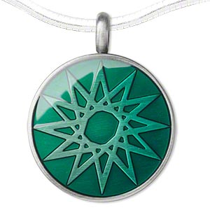 pendant, epoxy and pewter (zinc-based alloy), green, 45x35mm single-sided matte round with star design. sold individually.