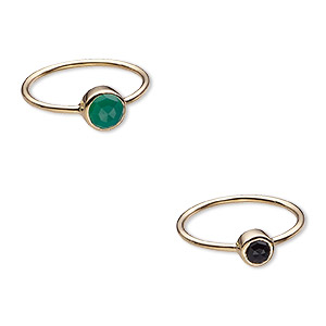 ring, black onyx / green onyx (dyed) / gold-finished sterling silver, 6mm and 7mm wide, size 8. sold per 2-piece set.