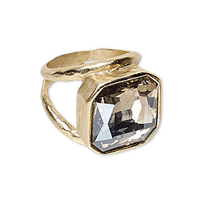 ring, glass and gold-finished pewter (zinc-based alloy), champagne, 19x19mm hammered square, size 8. sold individually.