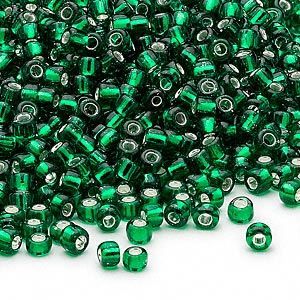 seed bead, dyna-mites™, glass, silver-lined translucent emerald green, #8 round. sold per 1/2 kilogram pkg.