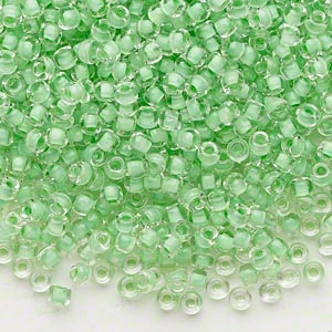 seed bead, dyna-mites™, glass, translucent inside color mint green, #8 round. sold per 1/2 kilogram pkg.
