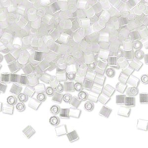 seed bead, dyna-mites™, glass, translucent silk eggshell, #8 cut-off round. sold per 1/2 kilogram pkg.