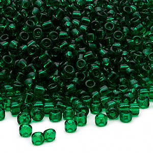 seed bead, dyna-mites™, glass, transparent emerald green, #8 round. sold per 1/2 kilogram pkg.